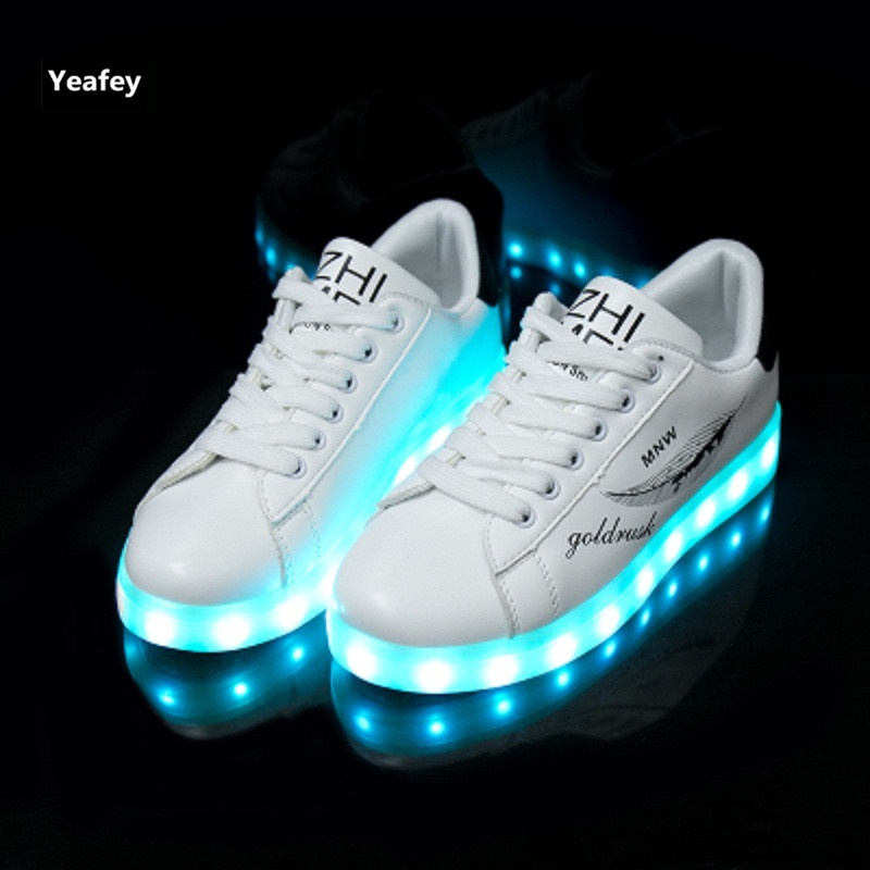 24XOmx55S99 Kids Boy and Girls 11 Color Led PU Sneakers Light Up Flashing Skateboard Shoes Christmas Toddler//Little Kid