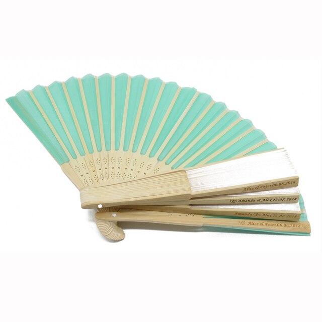 50Pcs Gepersonaliseerde Gegraveerde Vouwen Hand Bruiloft Zijde Fan Kiezen Fold Vintage Fans Organza Gift bag CustomizedParty Gunsten