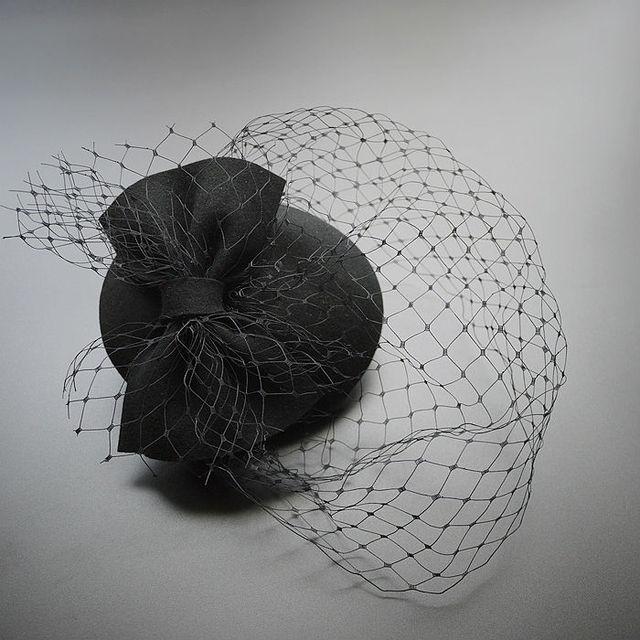 Exquiste Black Bridal Hats With Mesh Fashion Bride Hair Bow Hat Wedding Veil Photo Portrait Flower Feather Headdress Hairpin