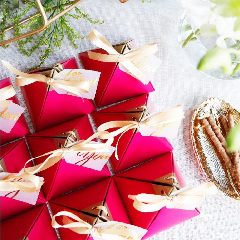 100pcs Rose Red Triangular Pyramid Style Candy Box Wedding Favors Party Supplies Paper Gift Boxes with THANKS Card Chocolate Box package (5)