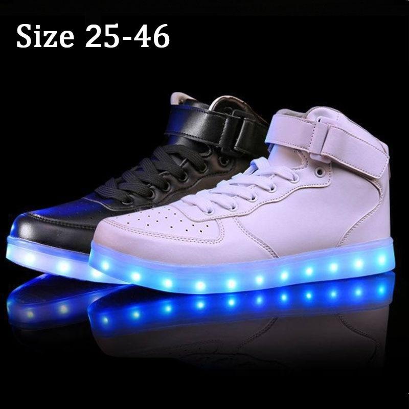 हाई टॉप ग्लोइंग स्नीकर्स एलईडी शूज़ के साथ लाइट अप बास्केट फेम एलईडी चप्पल चमकीले स्नीकर्स इन्फैंटिल किड्स बॉयज़ गर्ल्स 15 के लिए