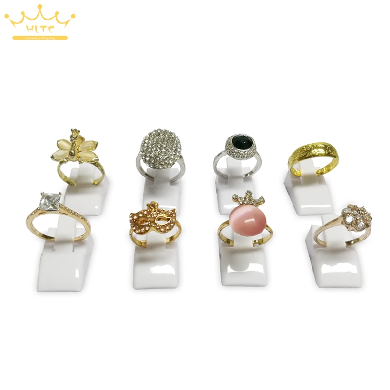20pcs/Lot White Color Ring Holder Jewelry Display Ring Holder Decoration Stand Plastic Frosted Rings Organizer Cases
