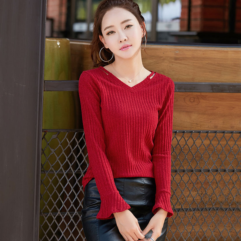 Knitted T Shirt Women V Neck Long Flare Sleeve T-Shirts Striped Tshirt 2018 Autumn Winter Casual Korean Fashion Womens Tops