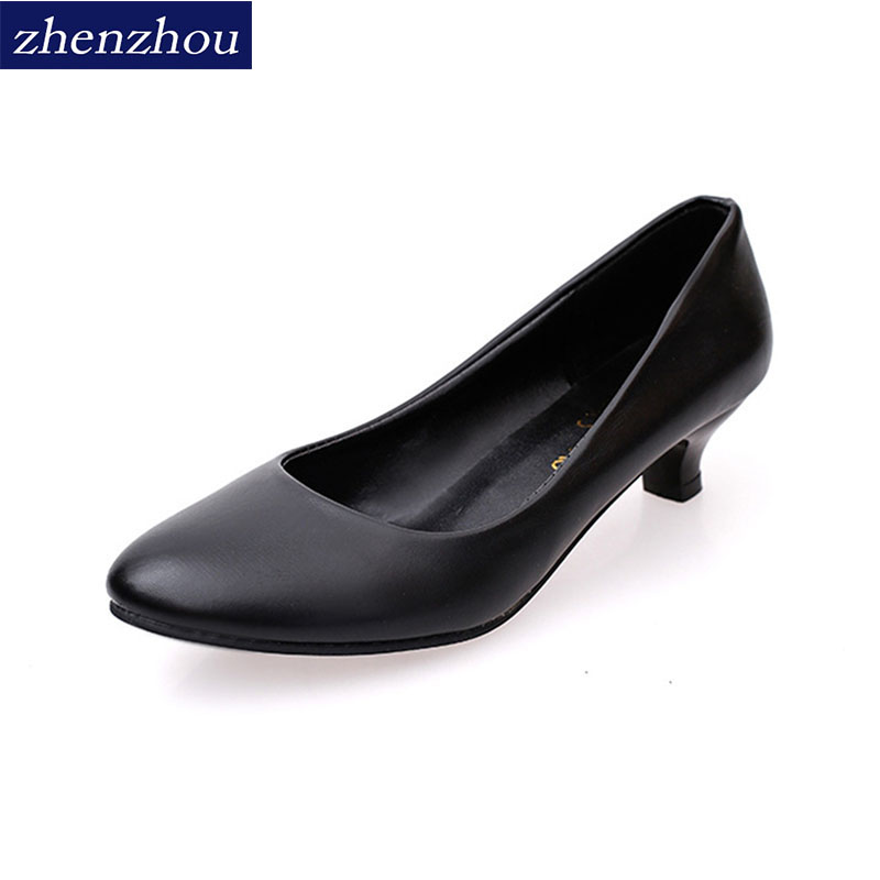New rough merchandising shoes for the fall of 2017 Mother shoes Middle-aged womens shoes Large size round toe leather shoes