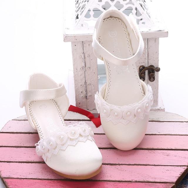 2018 Princesa Meninas Sandálias Infantis Calçados Para Meninas Vestir Sapatos Sapatinhos De Salto Alto sapatos de renda Pérola Primavera Sandálias de Festa de Casamento