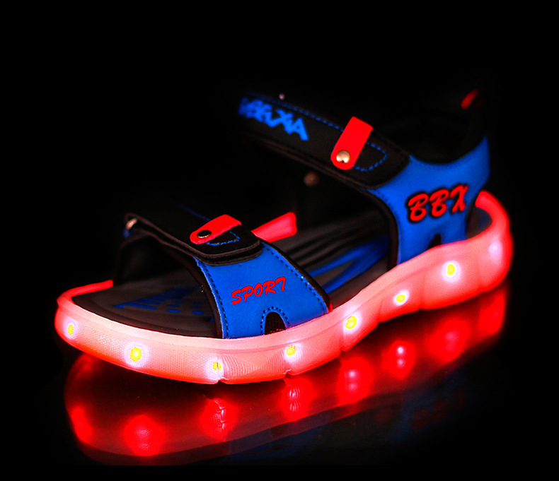 European-summer-beach-boys-girls-sandals-hot-sales-cool-LED-recharged-USB-shoes-kids-fashion-casual-lighted-baby-shoes-clogs-2