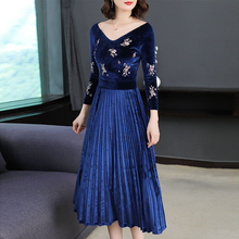 Velvet dress women clothes long sleeve v neck party dresses vintage navy blue winter autumn 2018 print floral elegant