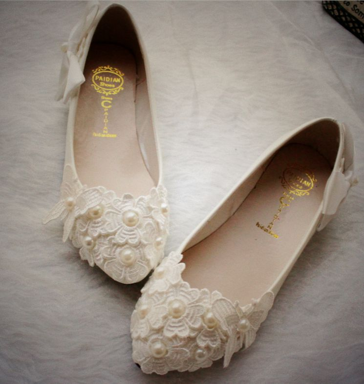Flat heel plus size 40 41 woman wedding shoes ivory, lace flower bow bowknot style hot fashion ladies bridal flats ivory shoe 2017 new fashion spring ladies pointed toe shoes woman flats crystal diamond silver wedding shoes for bridal plus size hot sale