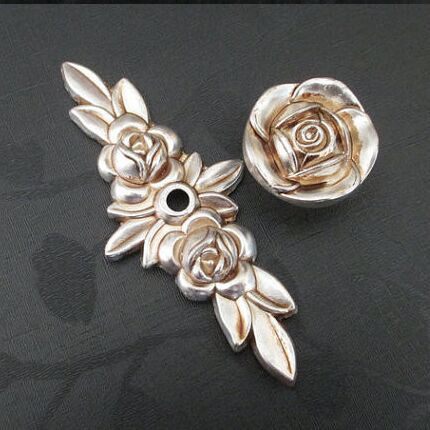 Antique silver Rose Wardrobe handle Base with knob kitchen cabinet pull Drawer Knobs antique Furniture Handles Dresser Pulls furniture drawer handles wardrobe door handle and knobs cabinet kitchen hardware pull gold silver long hole spacing c c 96 224mm