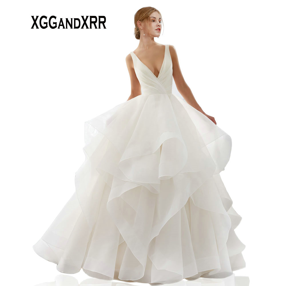 Princess V Neck Ball Gown Wedding Dress 2019 Pleats Ruffle Long Bride Dress Chapel Train Elegant Sexy Backless vestido de noiva gown