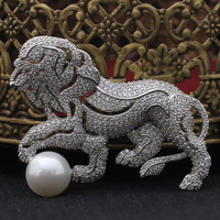 ALW New Vintage Lion Design Inlaid Pearls Brooches For Women And Men Zircon Pin Coat Brooch Fashion Jewelry 2017