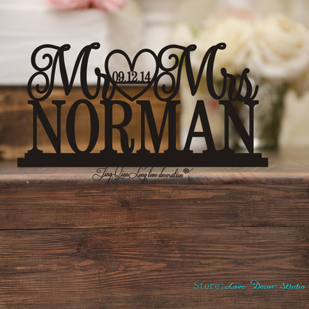 Custom Wedding Table Sign Wedding Cake Wedding Sign with Last NameWedding Table Decor Mr and Mrs Sign