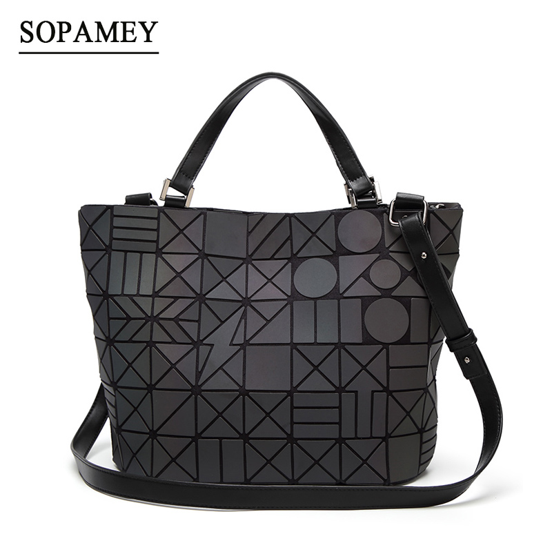 цены New Women Handbags Luminous Bao Bag Geometric Fold Bucket Shoulder Bags Luxury Handbags Women Bags Designer Bao bag bolsa