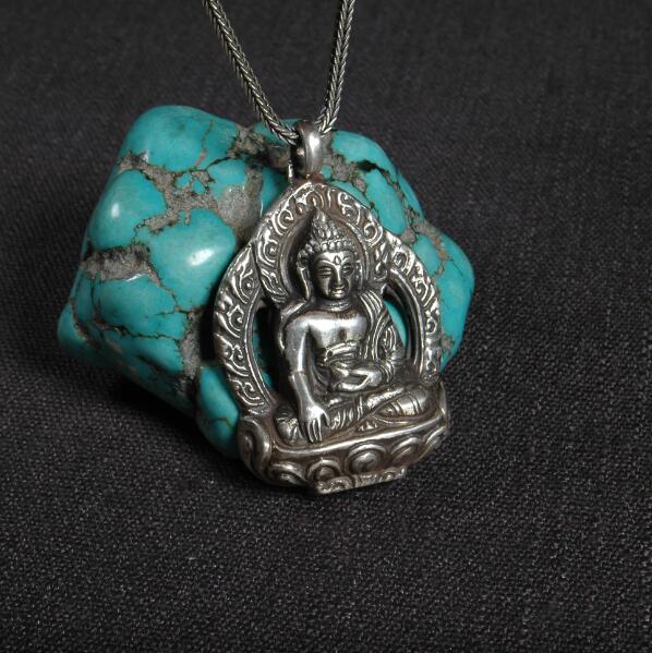 Handmade 925 Silver Nepalese Sakyamuni Buddha Statue Pendant Necklace Tibetan Buddha Pendant Necklace Silver Buddha AmuletHandmade 925 Silver Nepalese Sakyamuni Buddha Statue Pendant Necklace Tibetan Buddha Pendant Necklace Silver Buddha Amulet