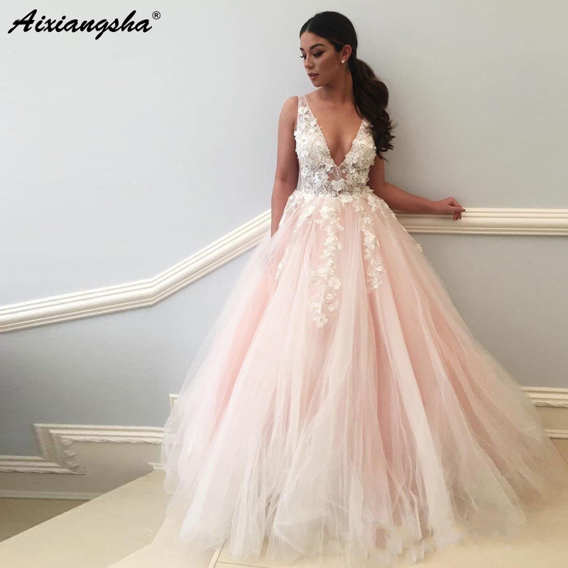 Romantic Fairy Princess Wedding Gown 2019 Beaded Flowers Embroidery Tulle V-Neck Ball Gown Pink Wedding Dress