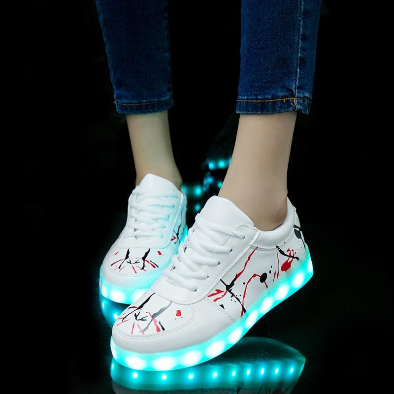 2018 nuevo USB iluminado krasovki zapatillas de deporte luminosas que brillan intensamente los niños zapatos con suela led light up zapatillas de deporte para las muchachas y niños