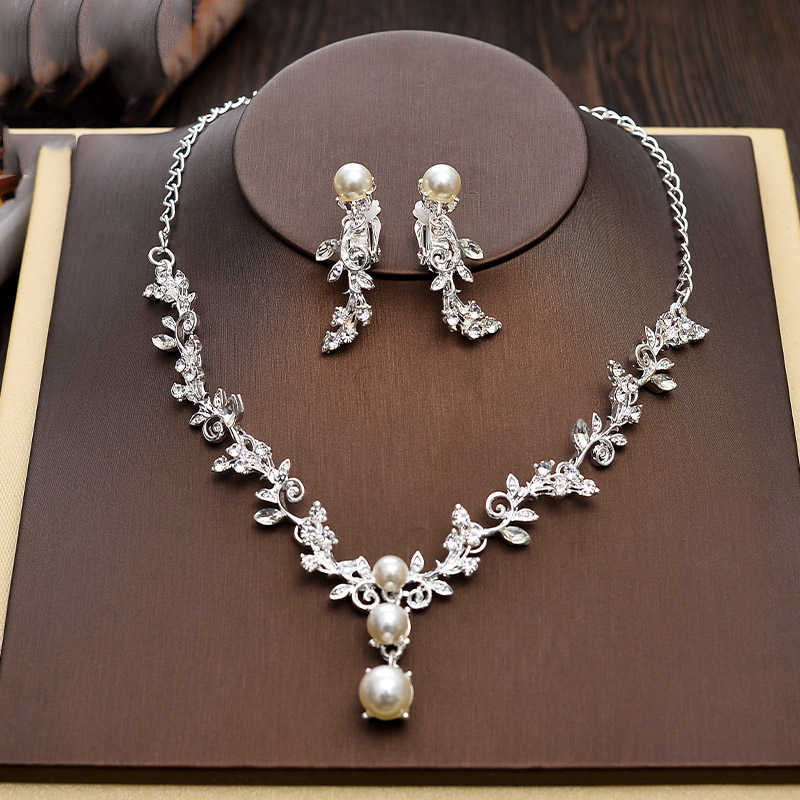 Shiny Apple Pearls with Ribbon Dangling Earrings Necklace Jewellery Set Wedding