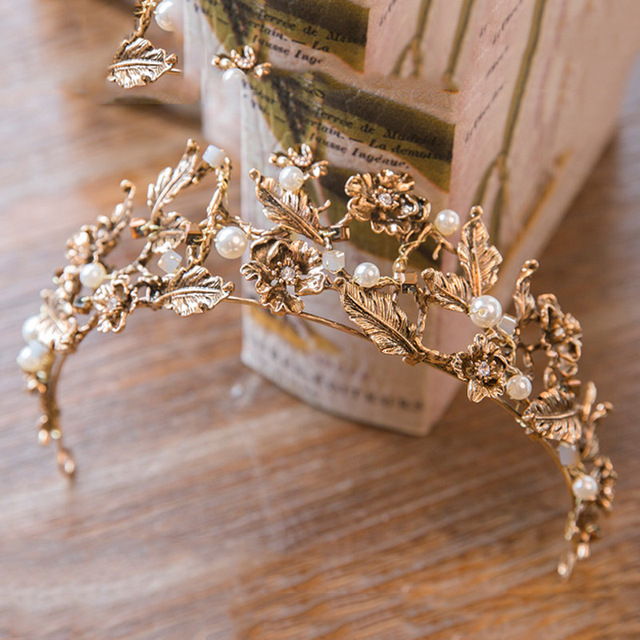 2017 New Vintage Gold Tiara Headband Baroque Crown Crystal Pearl Tiaras Crowns Hairband Wedding Hair Jewelry