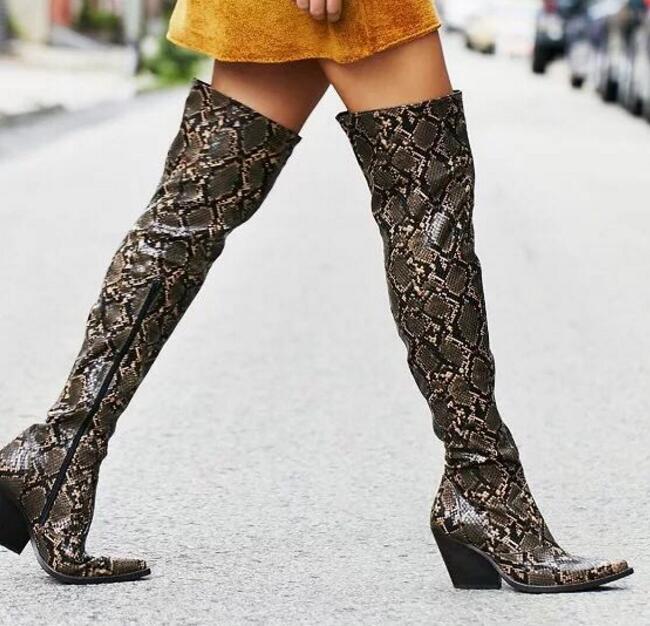 2017 осенние женские модные новые женские сапоги из змеиной кожи питона с острым носком, Сапоги выше колена на грубом каблуке, тонкие высокие