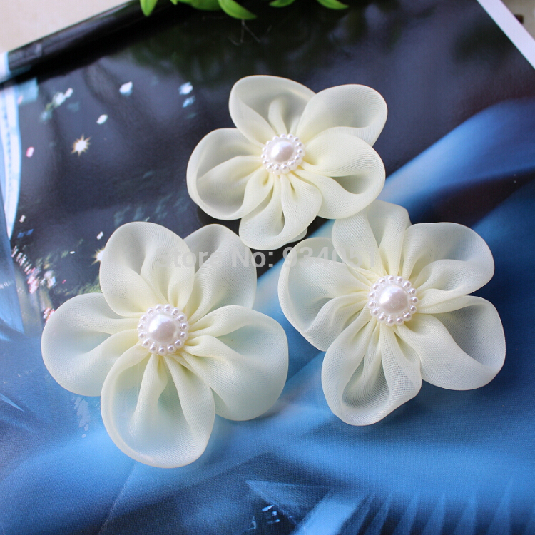 Set Of 50pcs Beige Bridal Silk Flowers With Pearl Flower Center