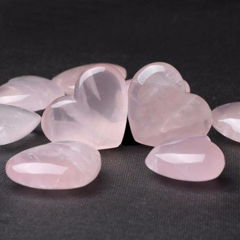 Pierres semi-précieuses en forme de cœur, quartz rose
