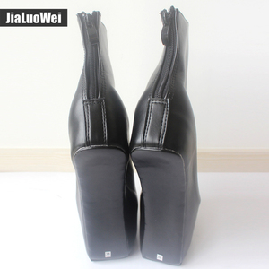 Image 3 - Jialuowei 20cm גבוהה העקב 5cm פלטפורמה סקסי פטיש ללא עקבי מוזר סגנון בלעדי ponying העקב חזרה zip אופנה קרסול מגפי בלט