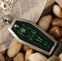 Зеленая Готическая кровать гроб Череп Древний серебряный цвет