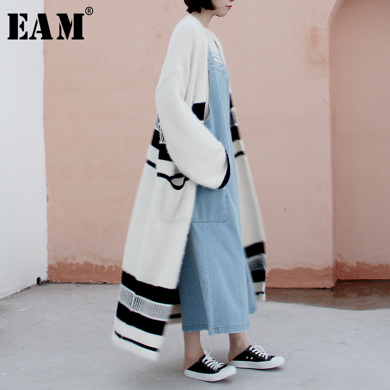 [EAM] 2020 New Spring V-Neck Long Sleeve Spliced Print Pattern Striped Loose Big Size Knitting Open Stitch Women Fashion JY007