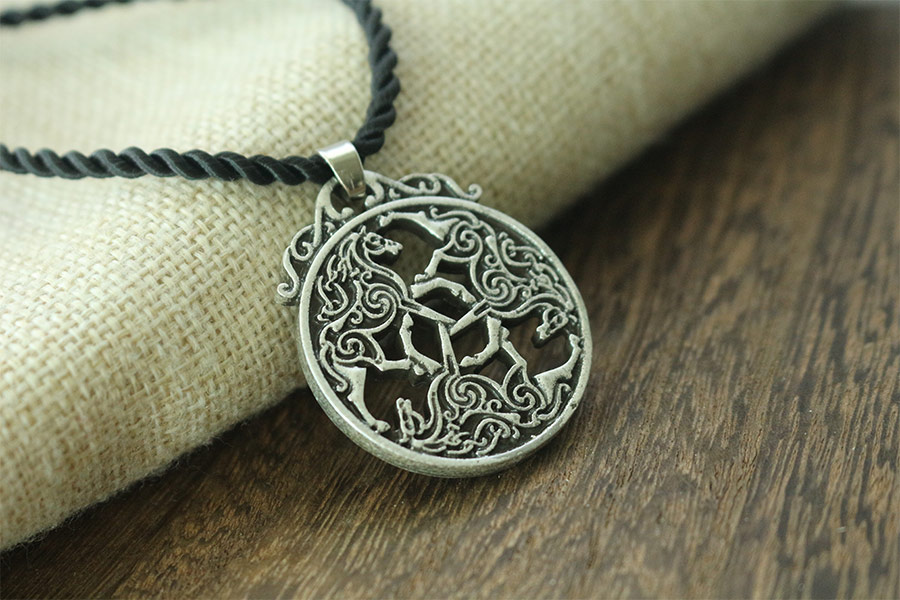 Valknut Odin /'s Viking Long hair Horse Pendants necklace horse Jewelry