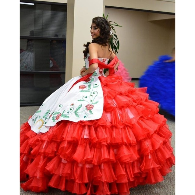d8973f50113 Luxury Red white Quinceanera Dresses 2016 Organza Ball Gown Sweetheart  Embroidery Puffy sweet 16 dresses vestidos de 15 anos