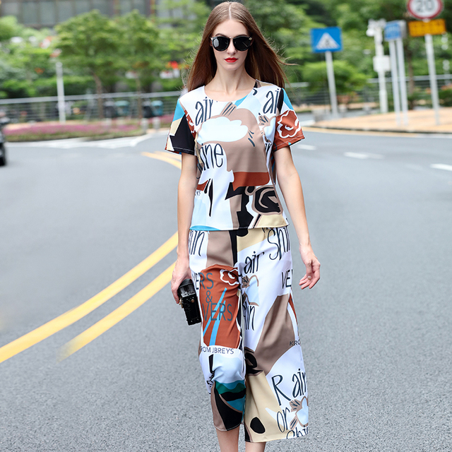 Twinset 2016 New Summer Short Sleeve Letter Print Fashion Top +  Calf Length High Street Pants Novelty Elegant Sets