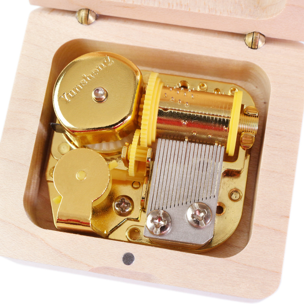 Sinzyo Handmade Wooden Game of Thrones Music Box Wood Carved Mechanism Musical Box special Gift For Christmas Valentine's day-in Music Boxes from Home & Garden    2