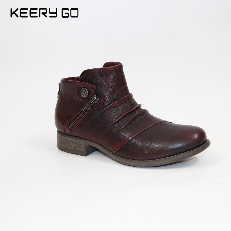 Autumn and winter 17 years, the new high-end leather comfortable, wrinkled handsome, women's Boots