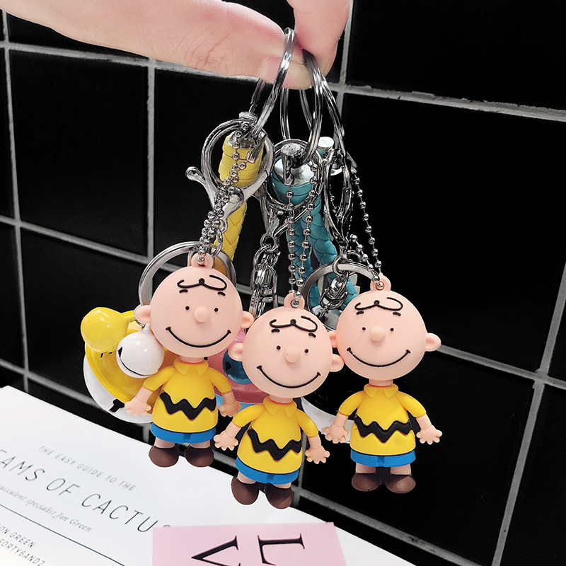 Anime Keychain Charlie Brown Snoopy Character Dolls Key Chain For Men's And Women's Bags Silicone Doll Car Key Pendant Key Ring