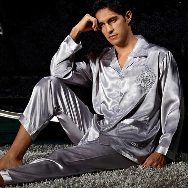 Popular Luxo Imitação de Seda do Pijama Dos Homens Define Bordado Dragão Macho Sleepwear Casa Casuais Nightclothes Pijamas de Manga Longa