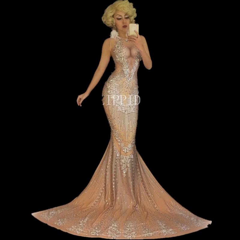 Nude Bal Dress Longue Sexy Queue Chanteuse Lumineux Cristaux Boîte Robes Pierres Outfit Célébrer Grande D'anniversaire Robe Grand De Nuit Costume qx4HzwHt