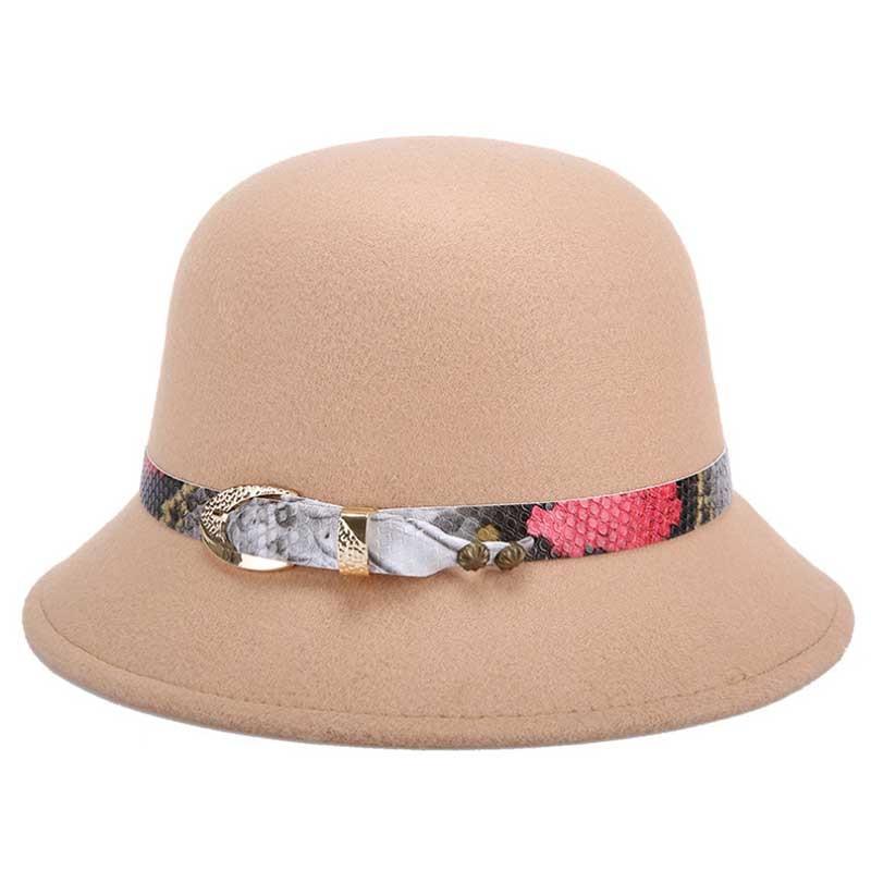 baed47de5285f New Casual Bowler Top Hat For Women Winter Cloche Caps Fashion Braid Belt  Vintage Felt Wide Brim Black Fedoras Bucket Hat-in Fedoras from Women s  Clothing ...