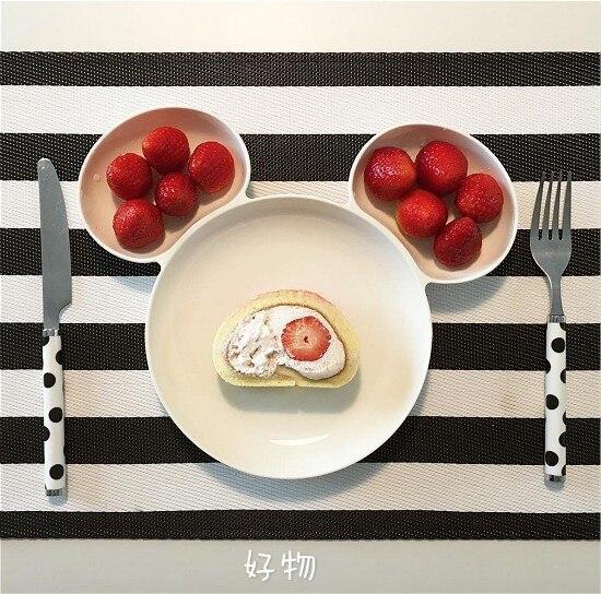 red and white dinnerware 89 (1)