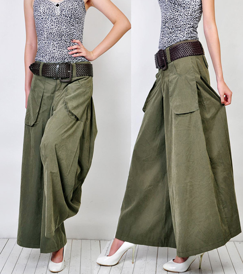 SO wanted these to fit!!! I REALLY want wide leg linen pants, and these would have been perfect, but I originally ordered a 10, previous review, and they were huge on me - could pull them off without undoing the zipper huge.