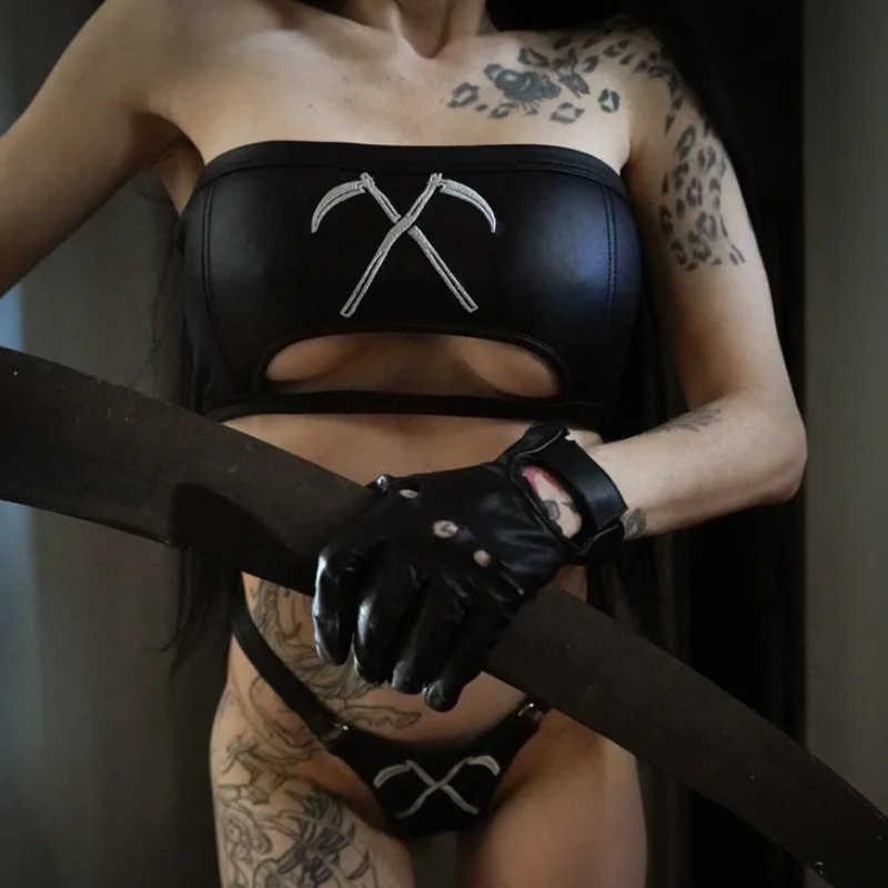 Из искусственной кожи пикантные черные бикини комплект серп принт темноте готические боди Косплэй ночного клуба вечерние черный PU рукавов бинты Для женщин комплекты