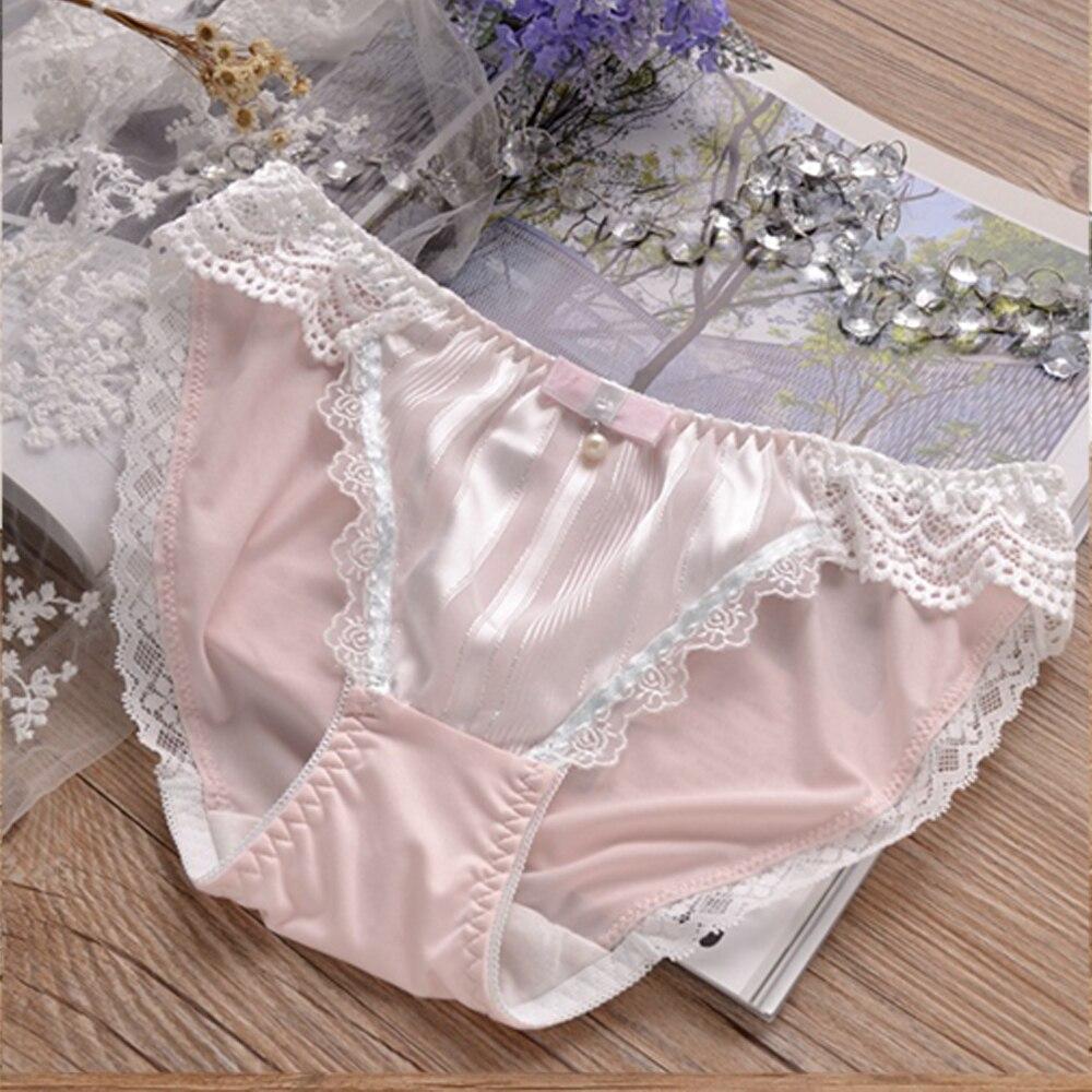 52fe23c3c35c Hot Mulheres Underwear Cintura Baixa Renda Cuecas Doce de Leite de Seda Cor  Sólida Macio Calcinhas Das Senhoras Encantador Bonito Lolita Calcinhas  Lingeries