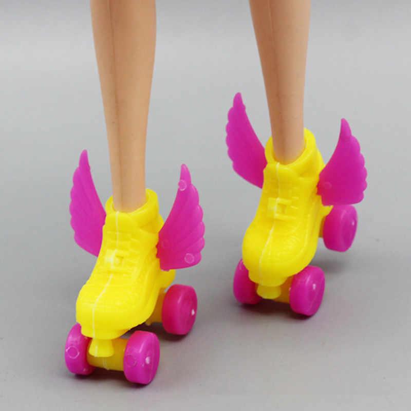 4 ピース/セット装飾ローラースケートセットファンシーライフスタイル人形の靴 + ヘッドセット + ヘルメット 1/6 人形子供おもちゃローラー再生
