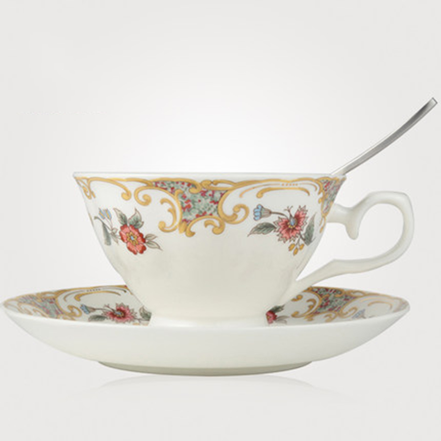 Flower Creative Ceramic <font><b>Coffee</b></font> <font><b>Cup</b></font> <font><b>Porcelain</b></font> Set British Bone <font><b>Porcelain</b></font> <font><b>Cup</b></font> Saucer Sets Beker Porcelein Home Supplies DDN50256 image