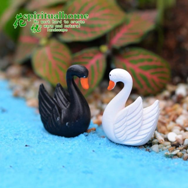 ZOCDOU 2 Pieces Swan Black White Cygnus goose Lake Model Statue Figurine Micro Crafts Ornament Miniatures DIY Home Garden Decor 6