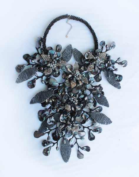 Handmade Seed beads Leaf  Black shell flower Necklace for Women