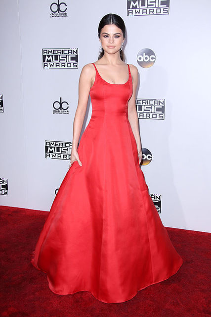 af1e5aacb6b New Arrival 2018 Red A Line Celebrity Dresses Selena Gomez Red Carpet Dress  Long Lady Gowns American Music Award Button M1903