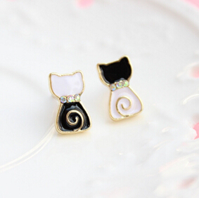 Timlee E081  Free shipping Cute Black and White Lollipop Cat Stud Earrings Wholesale
