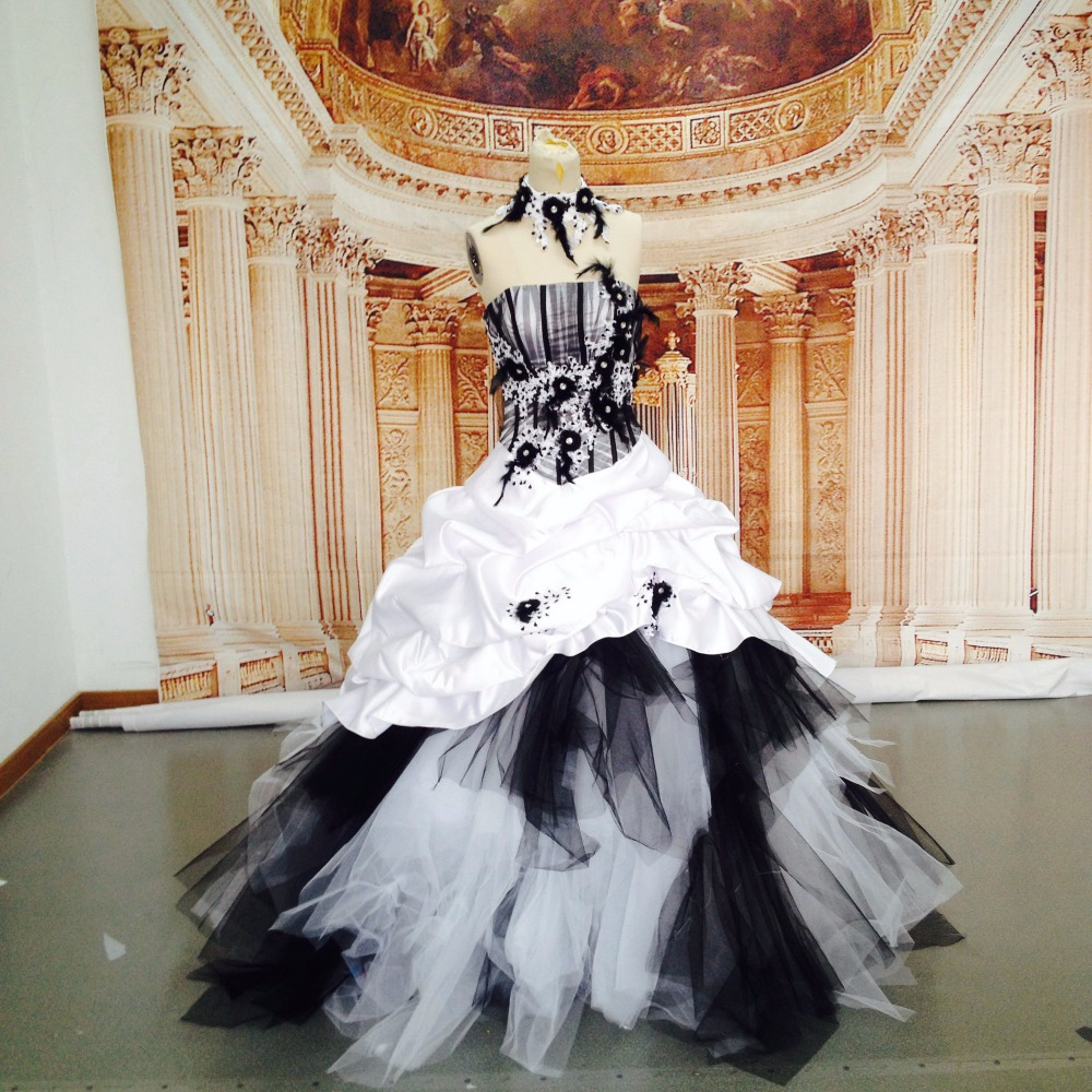 Real Photos White And Black Wedding Dress Vintage Handcraft Feather