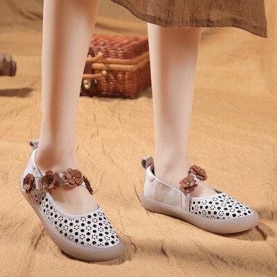 Zomer enkele schoenen vrouwelijke 2018 Witte schoen lederen zoete bloemen Zachte bodem Zachte bodem Vrouwen schoenen-in Damespumps van Schoenen op  Groep 3