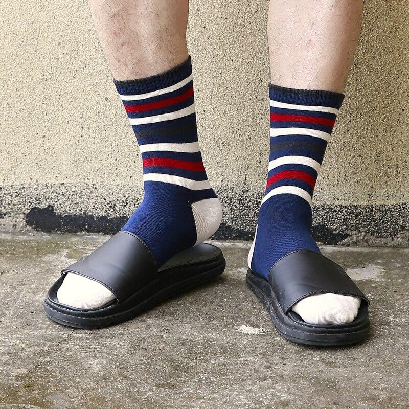 Man autumn winter in tube   socks   Man   socks   color stripes new Man   socks   EUR39-44
